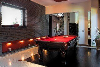 Professional pool table movers in Ferndale content img1